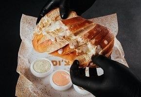 לחם שום מוקרם